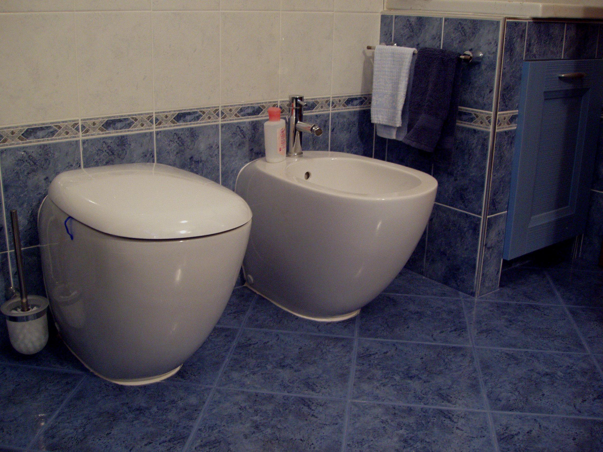 Bagni in muratura prezzi finest doccia al posto della for Rifacimento bagno costi
